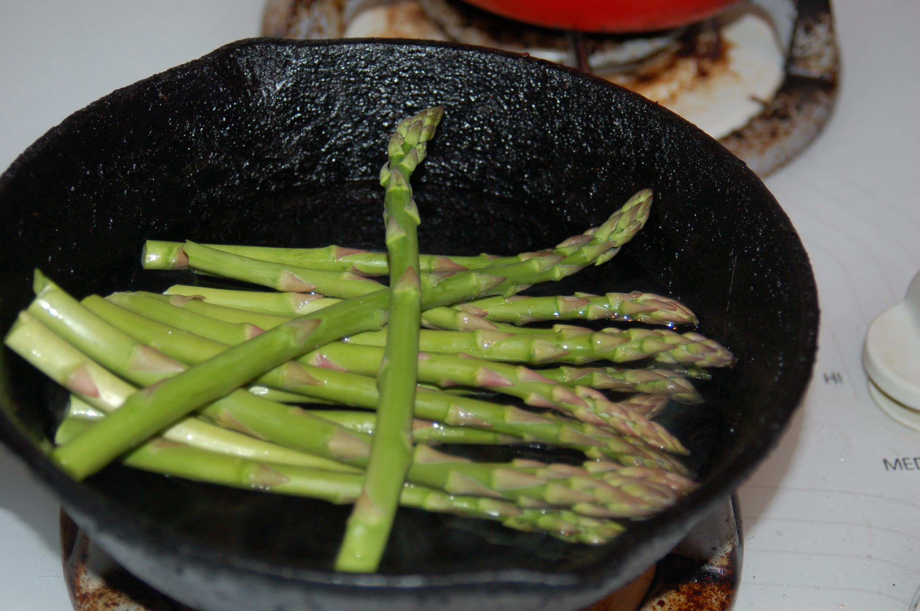 how to cook asparagus in pan boil